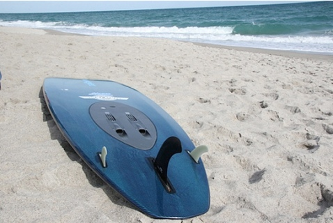 personal-water-propulsion-device-wavejet-powered-surfboard